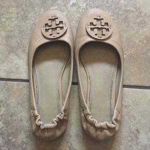 Authentic Tory Burch tan ballet slippers sz 7.5